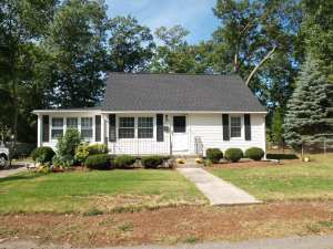 39 Campbell Dr. Lowell, MA 01851